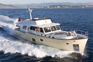 1-Cruiser-V82-Exterior-300x200