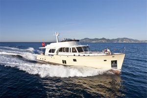 13-Cruiser-V82-Exterior-300x200