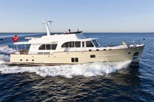 17-Cruiser-V82-Exterior-300x200