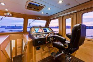 20-Cruiser-V82-Interior-300x200