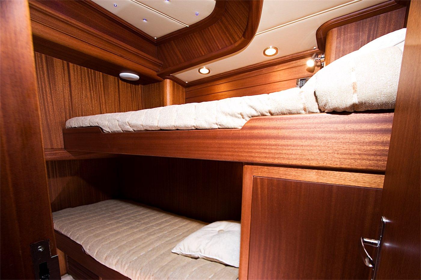 4-SportFish-V57-Interior